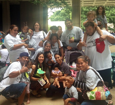 Maile was presented with a gift by the students and parents of Ka Pa'alana preschool.