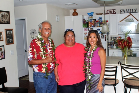 Sen. Gabbard, U'ilani Keliikoa (President of the Kaupuni Village Community Association), and Sen. Shimabukuro, posing in Ms. Keliikoa's home.