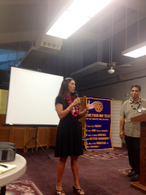 Sen. Shimabukuro thanked the Rotarians for giving back to the community.