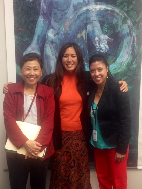 Sen. Shimabukuro met with DOE Superintendent Kathryn Matayoshi and DOE Official Donalyn Dela Cruz regarding immersion and Hawaiian language issues. Click to enlarge.
