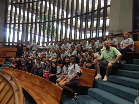 Sen. Shimabukuro met with Leihoku ES 5th Graders in the Senate Gallery